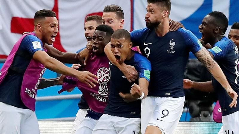 Mbapē divi vārti un nopelnīta pendele, Francija pieveic Argentīnu