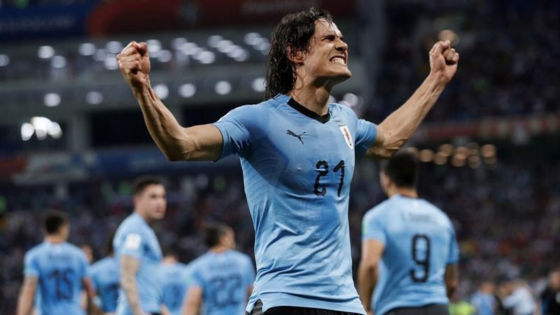 Kavani ieved Urugvaju 1/4 finālā, Eiropas čempioni brauc mājās