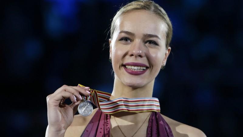Latviju pārstāvējis daiļslidotājs šomēnes precēsies ar pasaules čempionāta medaļnieci