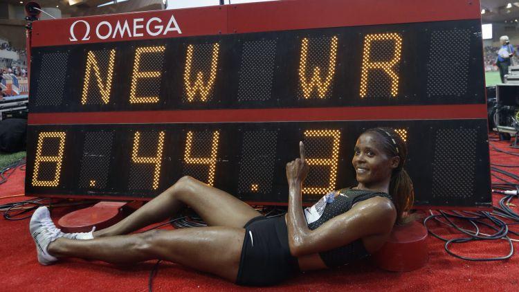 Čepkoeča iespaidīgi labo pasaules rekordu 3000m šķēršļu skrējienā