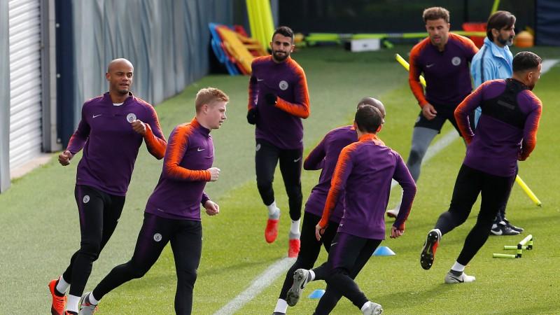 """De Breine pēc sešu nedēļu pauzes atsācis trenēties ar """"Manchester City"""""""
