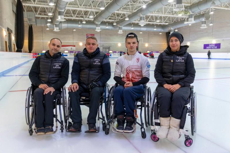 Latvijas ratiņkērlinga izlase izcīna 5.vietu Skotijas turnīrā spēcīgu komandu konkurencē
