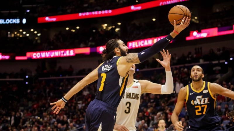"""""""Jazz"""" sagādā """"Pelicans"""" pirmo zaudējumu, Bostona - Detroitai"""