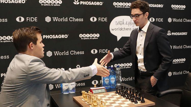 Pēc 12 neizšķirtiem Kārlsens taibreikā aizstāv pasaules čempiona titulu šahā