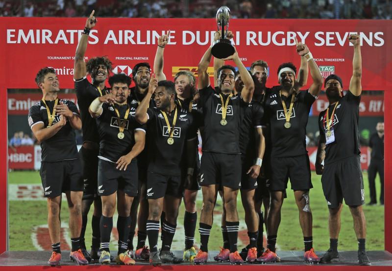 ASV pārsteidz, pēc astoņu gadu pārtraukuma Dubaijā uzvar Jaunzēlande