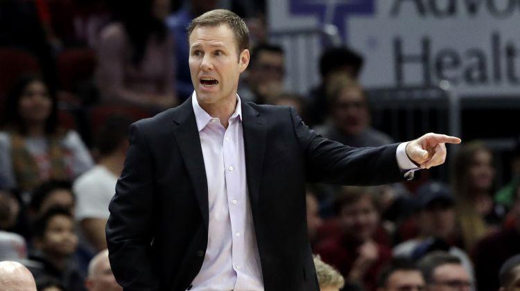 """Čikāgas """"Bulls"""" atlaiž galveno treneri Hoibergu, vietā nozīmē viņa asistentu Boilenu"""