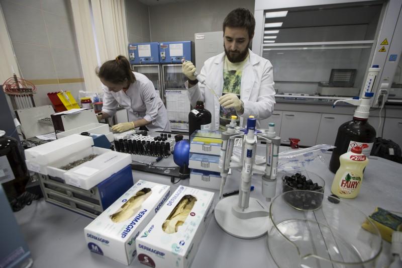 Ap 70 Krievijas sportistiem draud apsūdzības vērienīgā dopinga lietošanas shēmā
