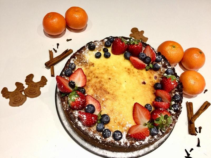 Jaungada piparkūku un mandarīnu kūka ar kanēli
