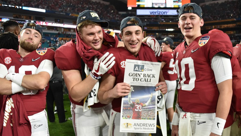 Trešo reizi NCAA futbola čempions noskaidrosies Alabamas un Klemsonas cīņā