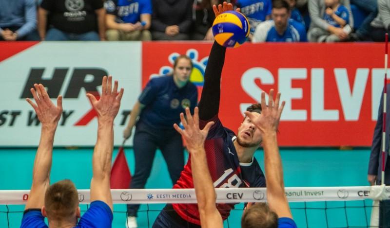 Latvijas volejbola izlasēm šovakar jācīnās par godu un cieņu