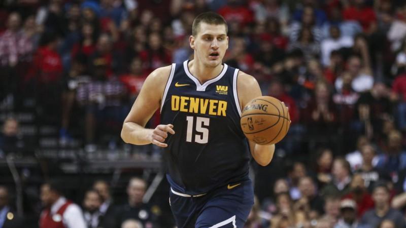 Embīds un Jokičs - labākie NBA nedēļas spēlētāji
