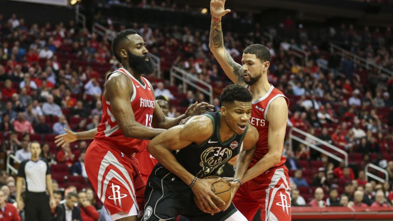 "Adetokunbo un Hārdena duelī ""Bucks"" pieveic ""Rockets"""