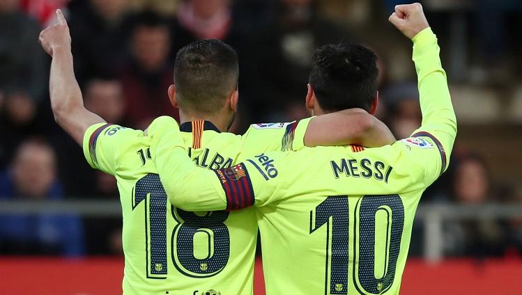 """Alba pagarina līgumu ar """"Barcelona"""" un mudina Mesi sekot viņa piemēram"""