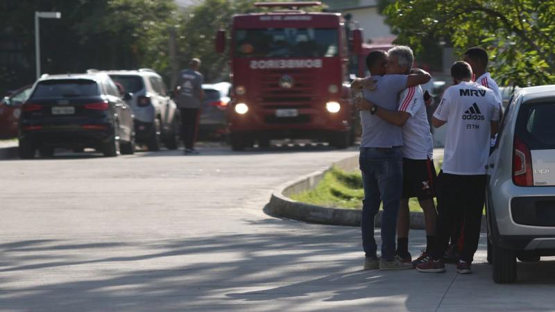 """Traģēdija Brazīlijā: ugunsgrēkā """"Flamengo"""" bāzē iet bojā desmit jaunie futbolisti"""