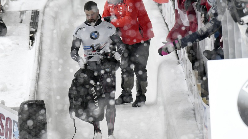 Martins Dukurs iegūst sudrabu Leikpleisidā