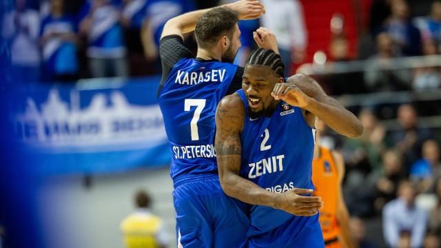 """""""Zenit"""" dominē mačā pret """"Avtodor"""", iemet 103 punktus un svin uzvaru"""
