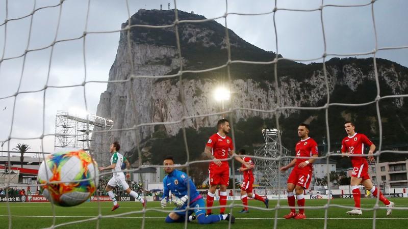 Īri ar grūtībām uzveic Gibraltāru, Latviju pieveikusī Gruzija zaudē Šveicei