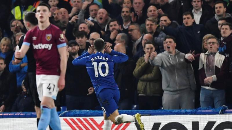 """Apbrīnojamais Azārs ar diviem skaistiem vārtiem sekmē """"Chelsea"""" uzvaru"""