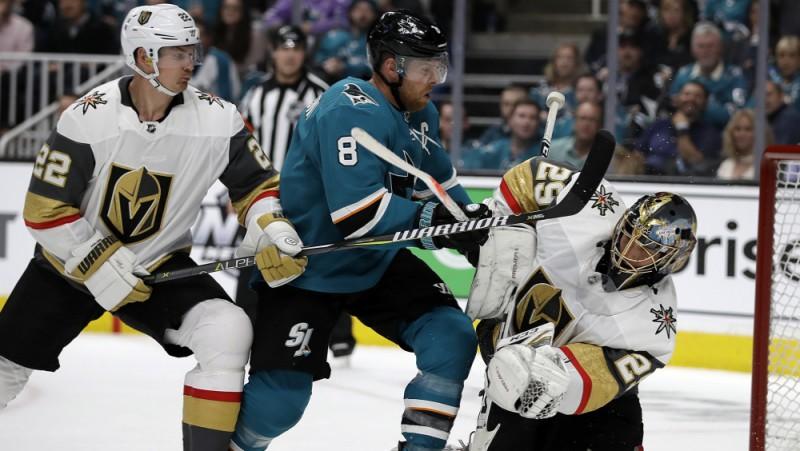 """Sharks"" kapteinis Pavelskis gūst vārtus ar seju"