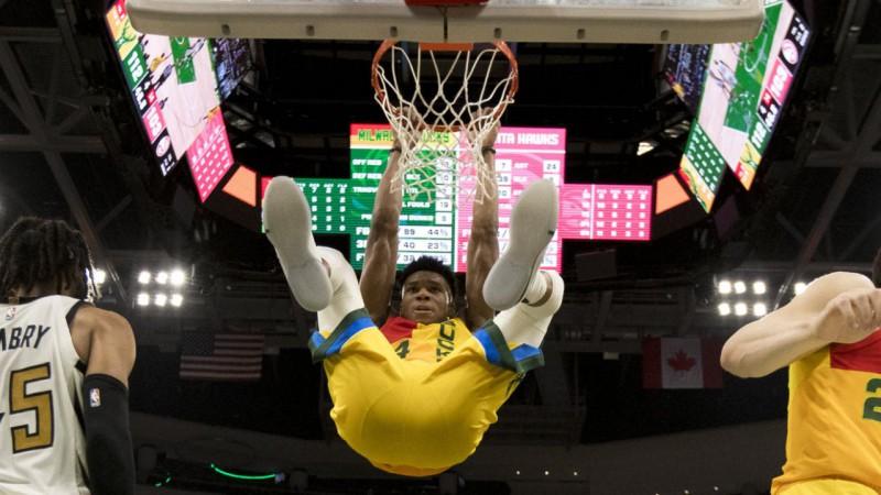 NBA regulārās sezonas pēdējā mēneša MVP - Adetokunbo un Hārdens