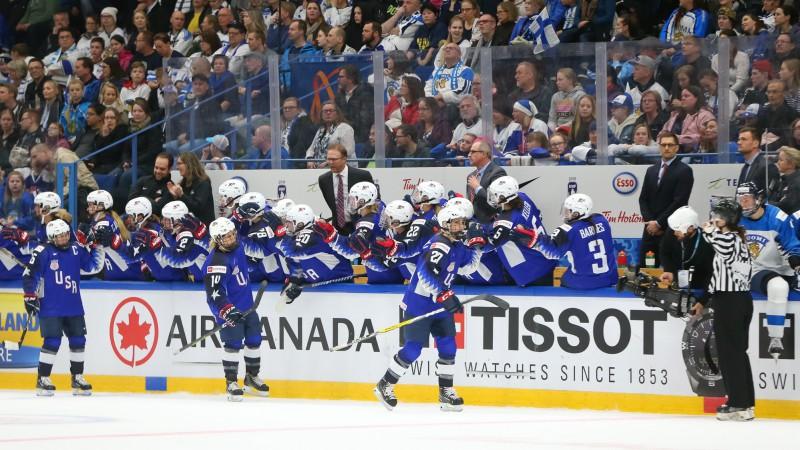 Sieviešu hokeja PČ noslēdzas ar pamatīgu drāmu, ASV izrauj uzvaru bullīšos