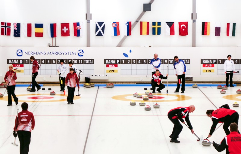 Senioru izlases apņēmības pilnas iekļūt pasaules čempionāta izslēgšanas spēlēs