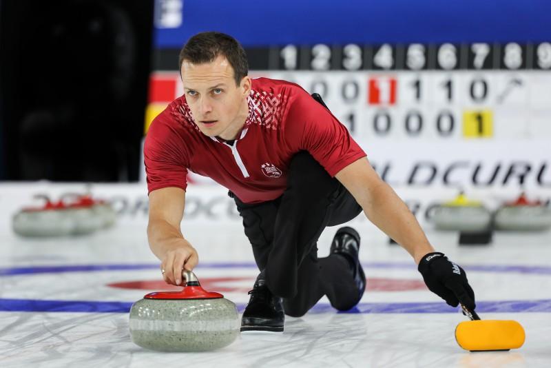 Latvijas kērlingisti izcīna uzvaru pēdējā jaukto pāru PČ spēlē, noslēdzot to 27.vietā