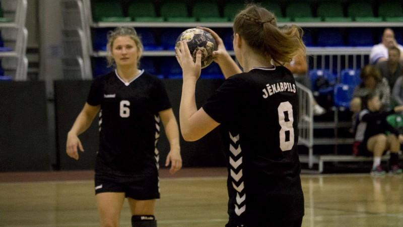 """Sieviešu Virslīgā """"Jēkabpils"""" atspēlējas un uzvar līderu cīņā"""