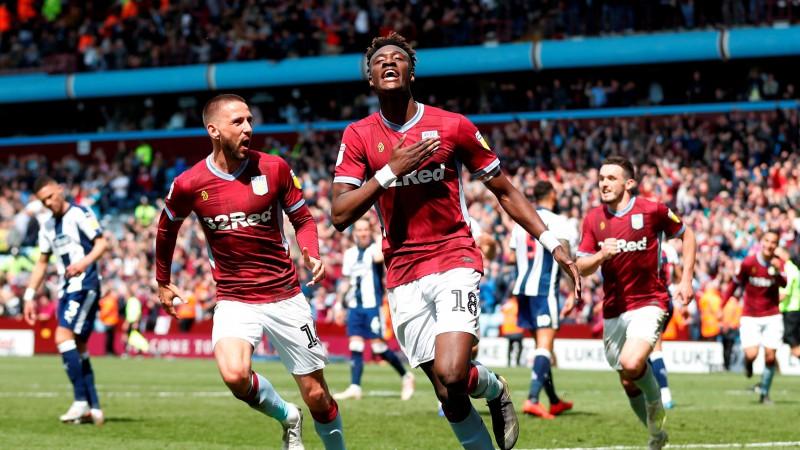 """""""Aston Villa"""" un """"Leeds United"""" ceļu uz Premjerlīgu sāk ar uzvarām"""