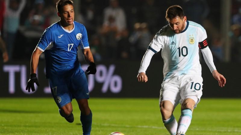 Mesi divi vārti vienas minūtes laikā, Argentīna sagrauj Nikaragvu