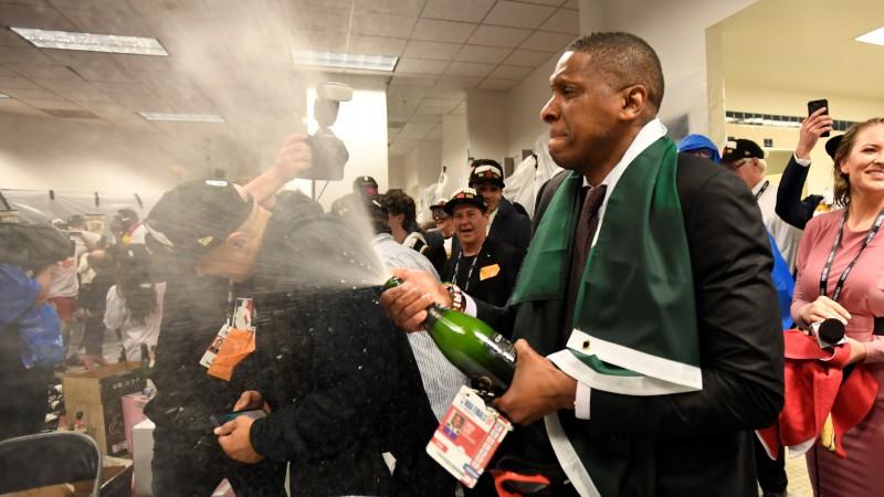 ESPN: ''Wizards'' centīsies pārvilināt čempiones ''Raptors'' arhitektu Udžiri