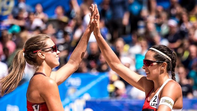 """Graudiņa/Kravčenoka pieveic olimpisko vicečempioni un tiek Gštādes """"play-off"""""""
