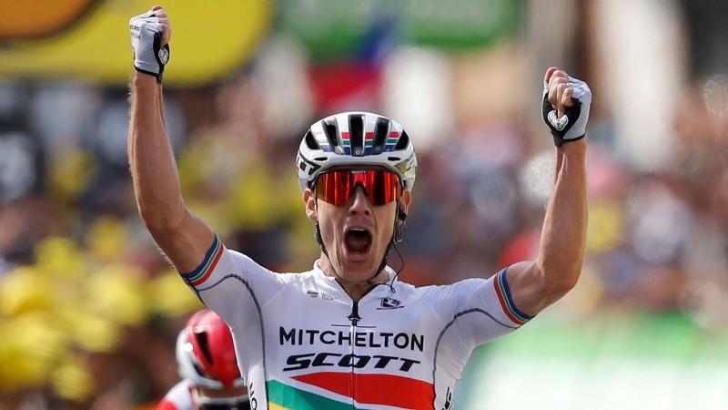"""Afrikānis izcīna pirmo """"Tour de France"""" uzvaru, Skujiņš 111. vietā"""