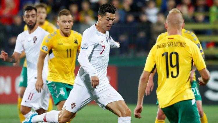 Ronaldu pokers salauž Lietuvu, Anglija uzvar, bet ielaiž trīs vārtus pret Kosovu