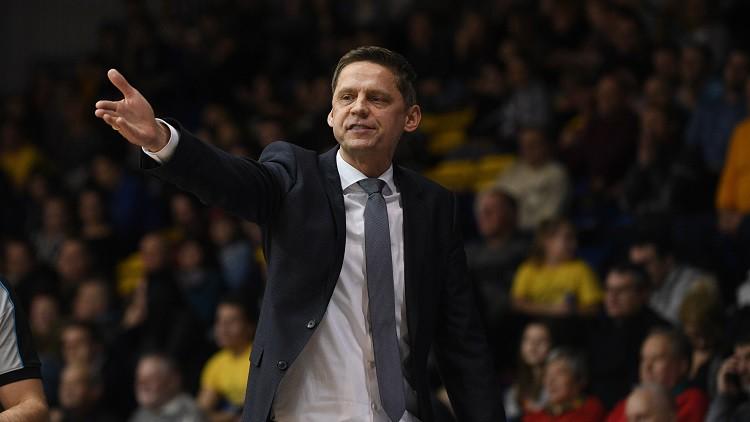 Muižniekam trešā uzvara trīs spēlēs Ukrainā, Leimanis Spānijā pārspēj Misteru