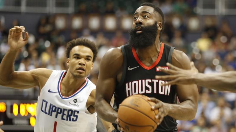 """Hārdenam 37 punkti, """"Rockets"""" uzveic bez Kavai un Džordža spēlējošo """"Clippers"""""""