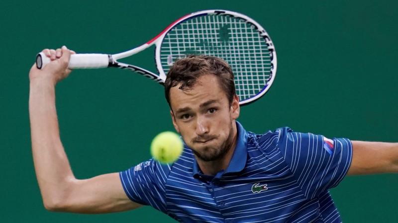 Medvedevs sestajā turnīrā pēc kārtas sasniedz finālu, rīt tiksies ar Zverevu