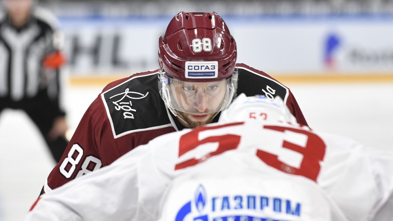 """Ankipāns pret Skudru: """"Dinamo"""" pirmos punktus viesos lūkos izcīnīt Čeļabinskā"""