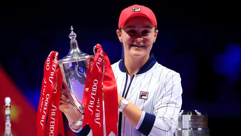 """Bārtija pirmoreiz pieveic Svitoļinu un triumfē """"WTA Finals"""""""