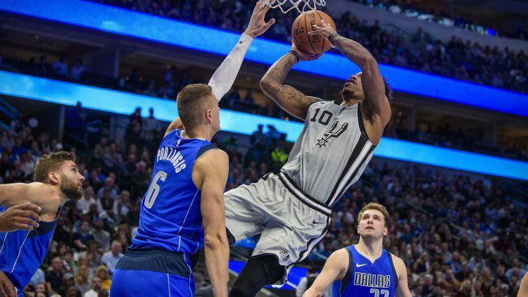 """Porziņģis savāc 18+10 un kopā ar izcilo Dončiču sarūpē Dalasai uzvaru pār """"Spurs"""""""