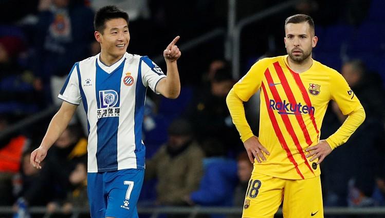 """""""Espanyol"""" ķīnietis derbijā atņem punktus """"Barcelona"""""""