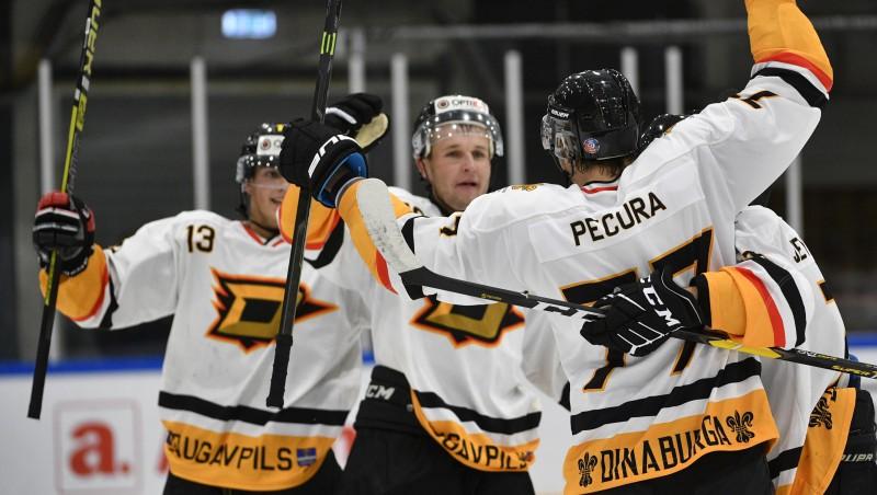 """Svarīgā spēlē par sesto vietu HS """"Rīga"""" centīsies pirmo reizi tikt galā ar """"Dinaburgu"""""""