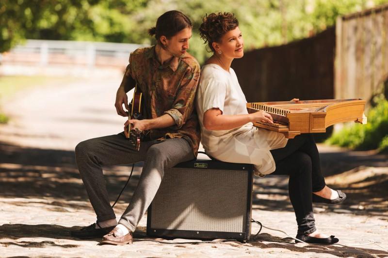 """Ciklā """"Dzimuši Latvijā"""" – klavesīniste Ieva Saliete un ģitāras virtuozs Matīss Čudars ar programmu """"Saruna ar Bahu"""""""