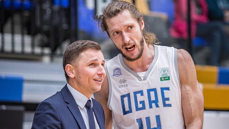"""Mazurs arī nākamsezon trenēs Latvijas vicečempioni """"Ogri"""""""