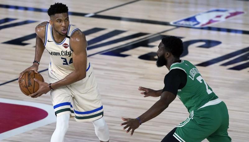 "Adetokunbo 36+15 un uzvara pret ""Celtics"", Foksam karjeras gūto punktu rekords"