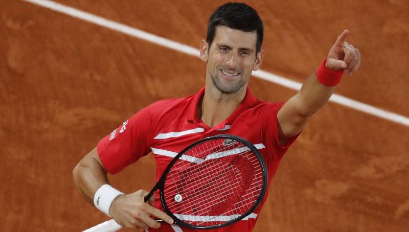 """Džokovičs """"French Open"""" finālu sasniedz ar uzvaru piecu setu mačā"""