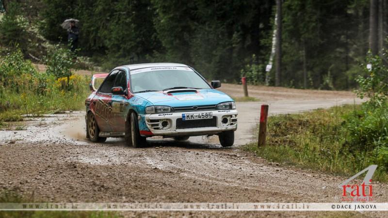 Latviešu ekipāžas lieliski sāk minirallija sacensības Igaunijā