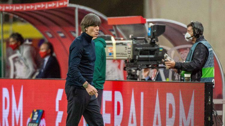Vācijas futbola vadība izsaka uzticību trenerim Lēvam arī pēc zaudējuma 0:6