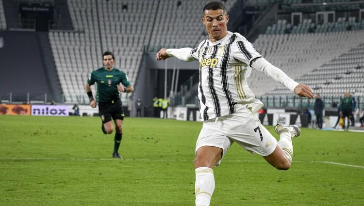 """Ronaldu iesit abus vārtus """"Juventus"""" uzvarā, igauņa Klavana vārtus neieskaita"""