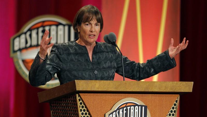 Tara! Tara! Tara! Trenere Vandervīra labo NCAA pirmās divīzijas uzvaru rekordu